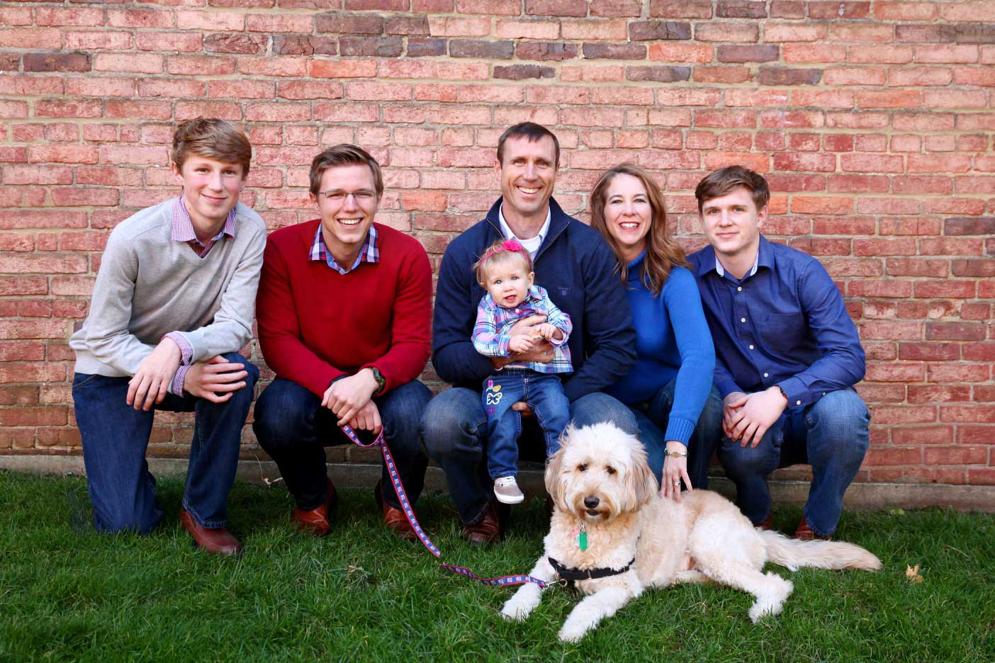 A Guide to Posing Your Family Photos, Maisi Julian Photography