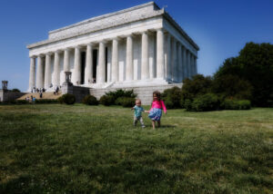 Family Photo Session at The Lincoln Memorial, Maisi Julian Photography